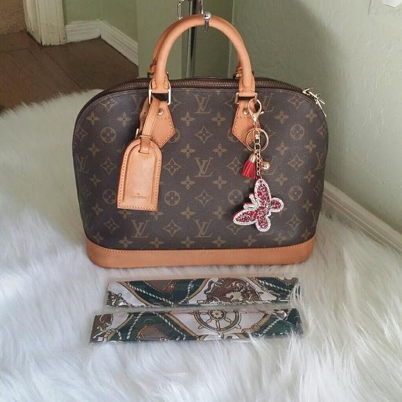 d7d61901fad Louis Vuitton Handbags - 💥🎉FLASH SALES 🎉💥AUTH Louis Vuitton Alma PM